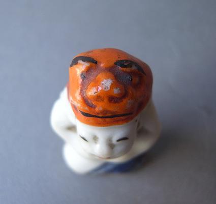 獅子舞の小像_e0111789_16463892.jpg