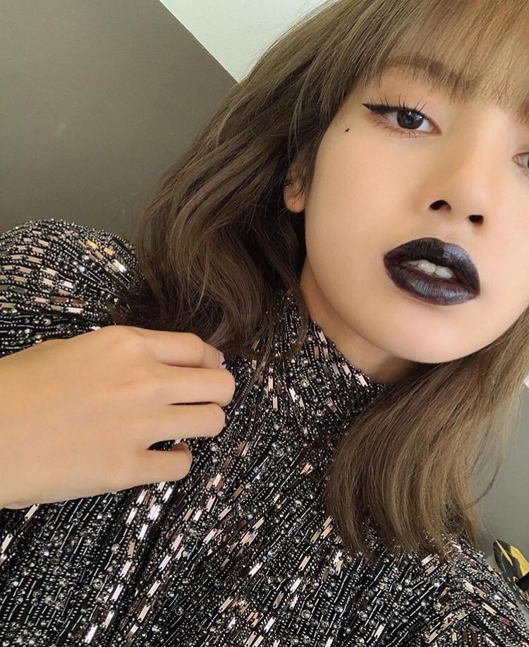 BLACK PINK LISA_e0115904_05001202.jpg