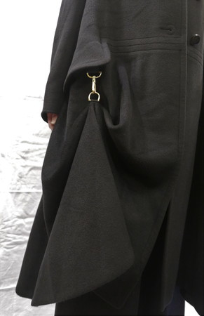 Hermes Cashmere Coat 裾金具_f0144612_07411637.jpg