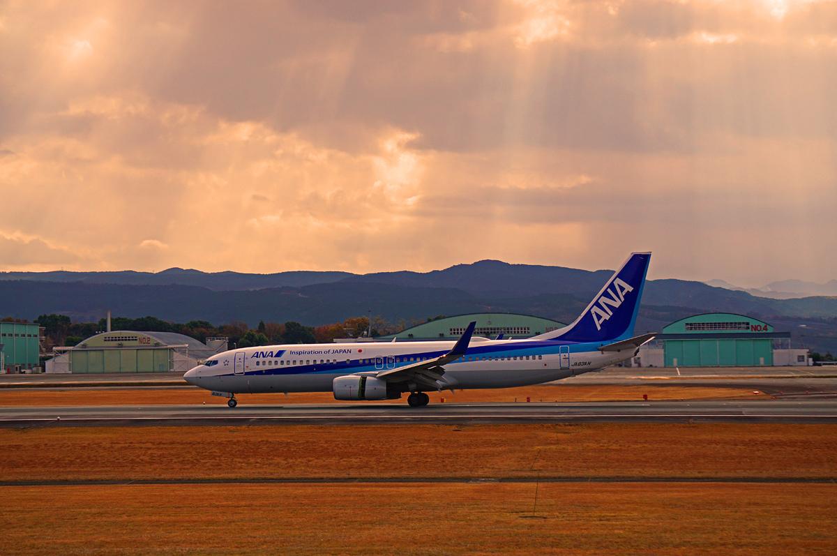 ANA Boeing737。_b0044115_00400169.jpg