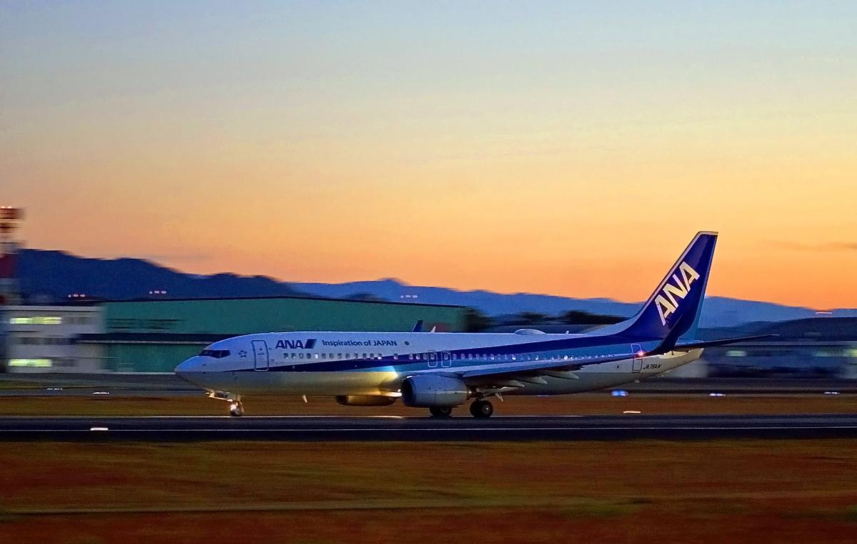 ANA Boeing737。_b0044115_00404038.jpg