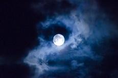 「満月」_b0211926_18234859.jpg