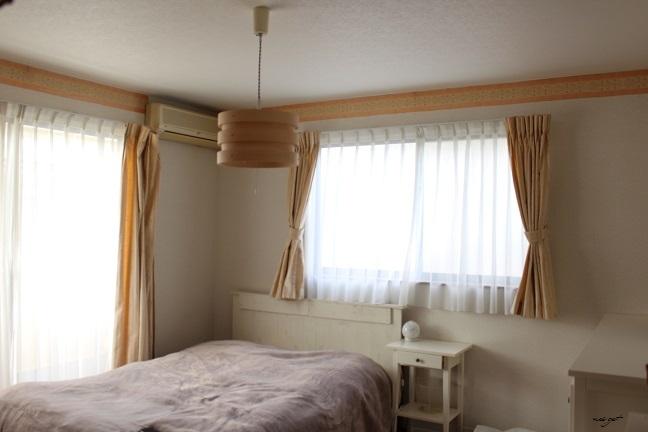 北欧風な木目調のおしゃれな照明で寝室の模様替え♪_f0023333_13574211.jpg