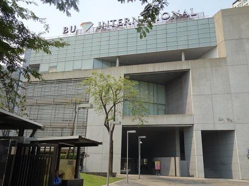 バンコク大学のカフェテリアでガパオ・ガイを食べてみた_c0030645_00185124.jpg