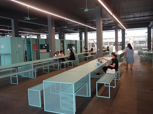 バンコク大学のカフェテリアでガパオ・ガイを食べてみた_c0030645_00190494.jpg