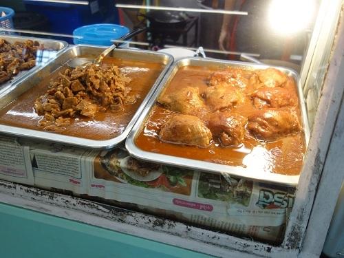 バンコク大学のカフェテリアでガパオ・ガイを食べてみた_c0030645_00192675.jpg