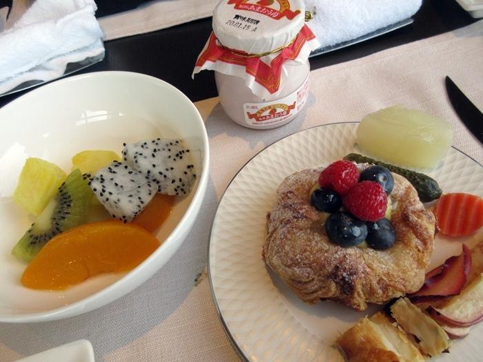【ストリングスホテル東京】美味しいお洒落な朝食【クラブインターコンチ】_b0009849_12072054.jpg
