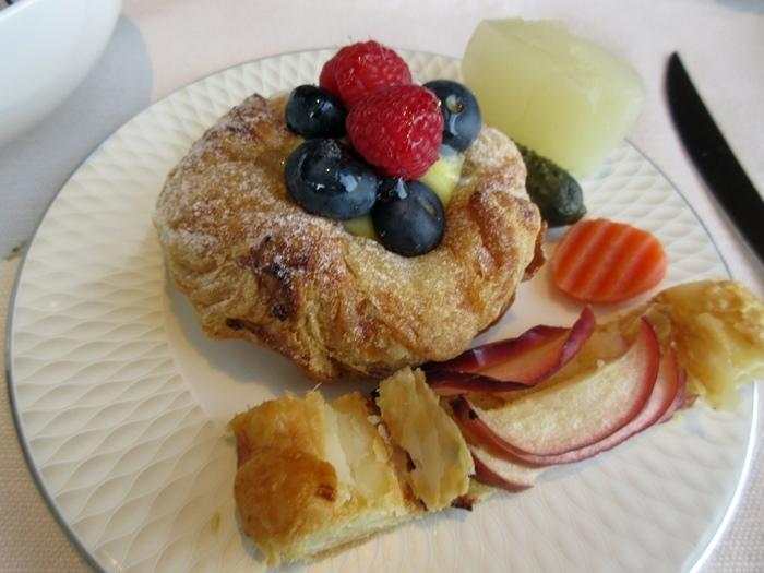 【ストリングスホテル東京】美味しいお洒落な朝食【クラブインターコンチ】_b0009849_12292703.jpg
