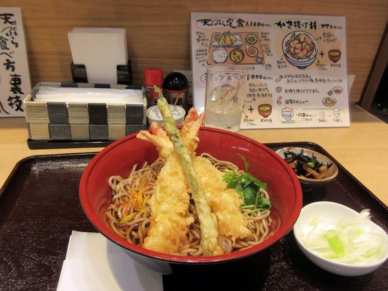 【駅そばラリーを見たらお蕎麦が食べたくなり、お惣菜の「まつおか」で海老天そば】_b0009849_16005779.jpg