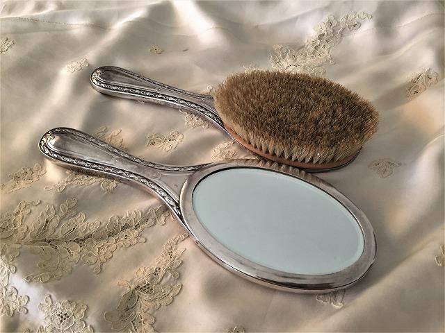 シルバープレート手鏡とヘアブラシのセット6_f0112550_09182541.jpg