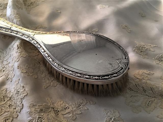 シルバープレート手鏡とヘアブラシのセット6_f0112550_09204046.jpg