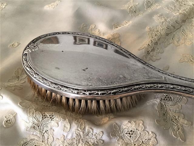 シルバープレート手鏡とヘアブラシのセット6_f0112550_09204057.jpg