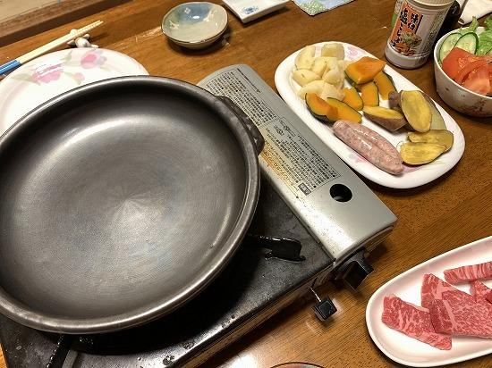 近くのお肉屋さん_c0327752_08512152.jpg