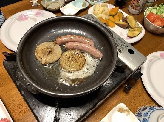 近くのお肉屋さん_c0327752_08522963.jpg