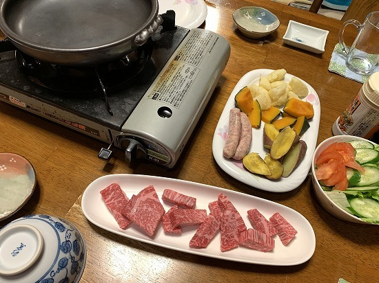 近くのお肉屋さん_c0327752_08563567.jpg