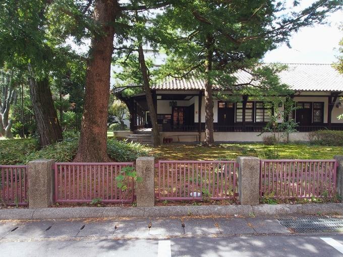 京都大学旧演習林事務室_f0116479_23240399.jpg