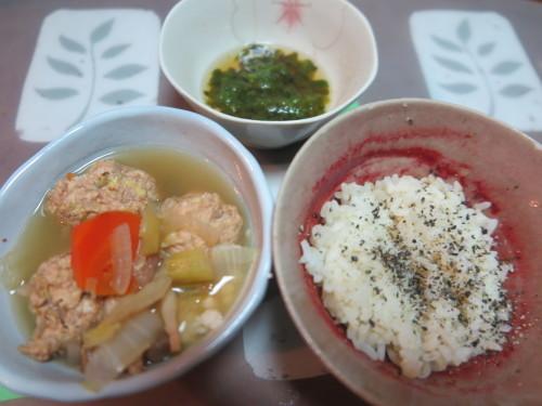 朝:焼鳥、温野菜:🍠・人参・小松菜&コーヒー 昼:炙り焼、味噌焼き🍙、焼鳥ももタレ&飲むヨーグルト 夜:鶏つくね鍋_c0075701_19112682.jpg