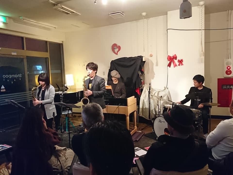 広島 ジャズライブ カミン  Jazzlive Comin本日1月12日日曜日のライブご紹介_b0115606_12493826.jpeg