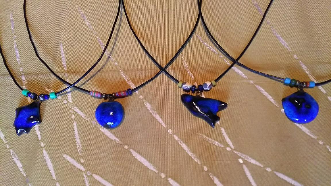 1月12日 青釉のペンダント。_a0204408_14113668.jpg