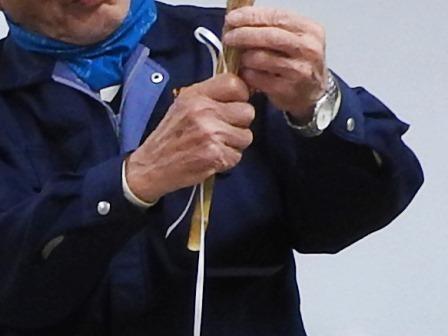ススキでミニほうきを作ろう_a0123836_14503595.jpg