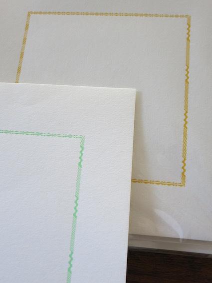 紙とお菓子と刺繍_e0407037_13444542.jpg