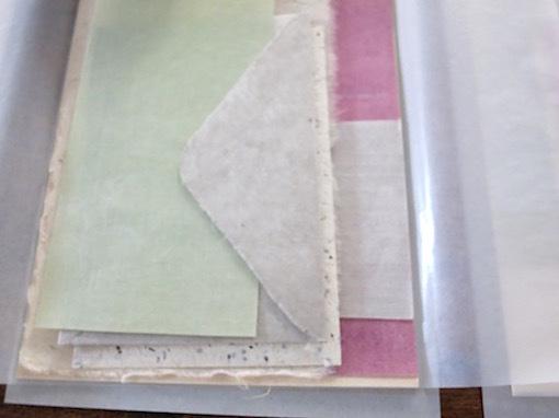 紙とお菓子と刺繍_e0407037_13474983.jpg