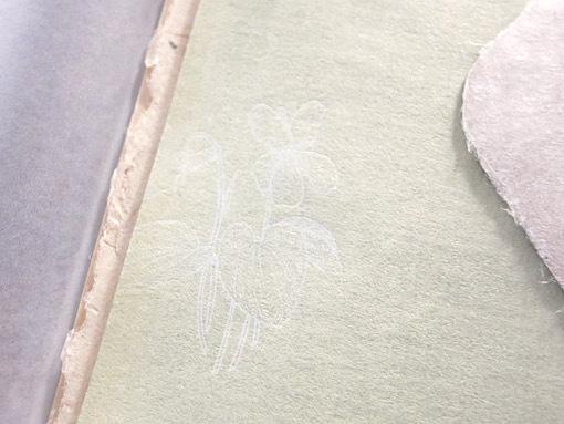 紙とお菓子と刺繍_e0407037_13481869.jpg