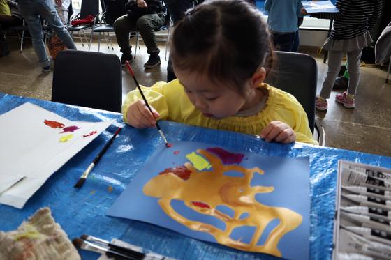 やと子ども美術教室 ~ 描き初め ~_e0222340_14372892.jpg
