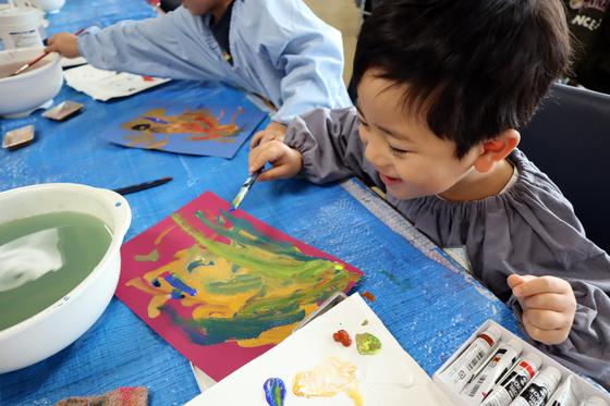 やと子ども美術教室 ~ 描き初め ~_e0222340_14375148.jpg
