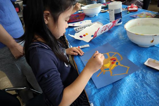 やと子ども美術教室 ~ 描き初め ~_e0222340_14383539.jpg