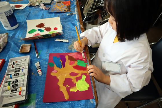 やと子ども美術教室 ~ 描き初め ~_e0222340_14393937.jpg