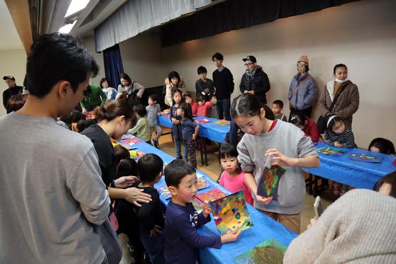 やと子ども美術教室 ~ 描き初め ~_e0222340_14435113.jpg
