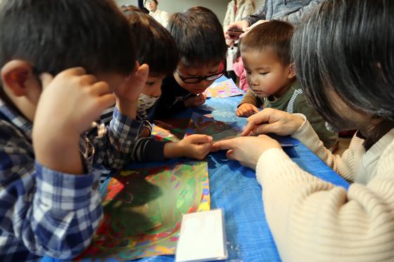 やと子ども美術教室 ~ 描き初め ~_e0222340_1446445.jpg
