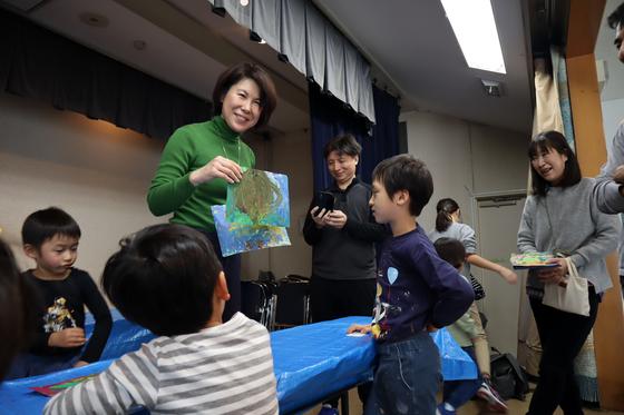 やと子ども美術教室 ~ 描き初め ~_e0222340_14513752.jpg