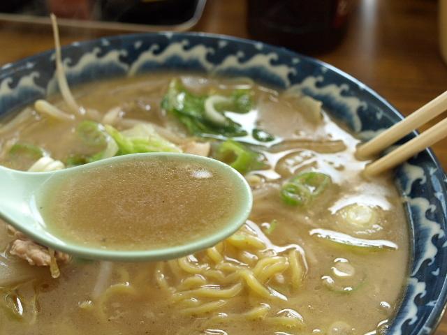 マルトマ食堂 その90(醤油ラーメン)_d0153062_20315756.jpg