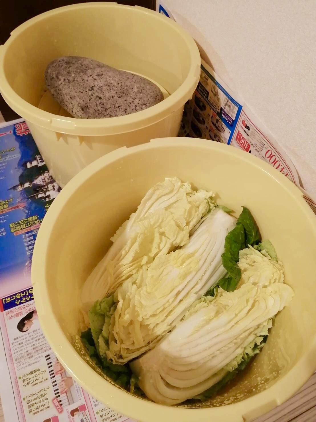 キムチの白菜を塩漬け中!_b0060363_17505566.jpeg