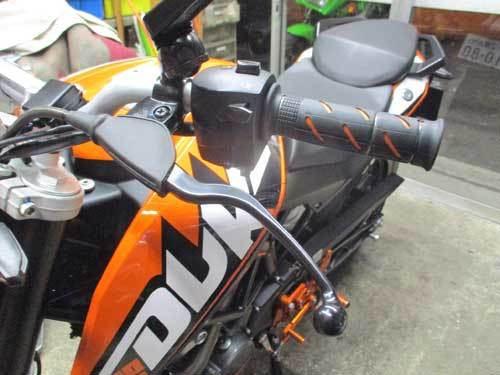 K木サン号 KTM DUKE200のオイル&ハンドル&グリップなどなど交換・・・(^^♪_c0086965_00360739.jpg