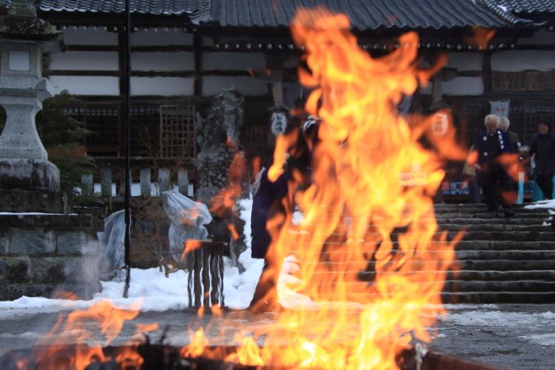 南部神社「墨付けどんと祭」_f0075075_17133723.jpg