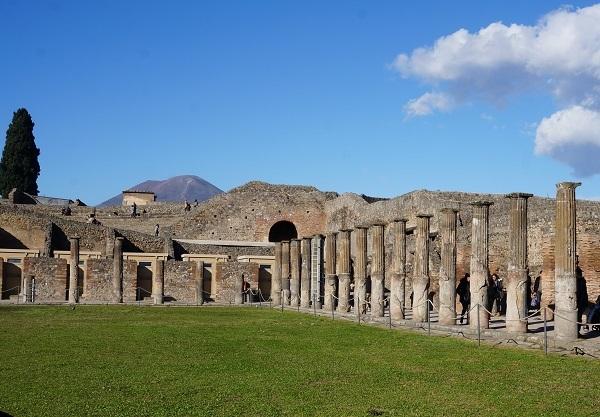 南イタリアに_e0365880_23535411.jpg
