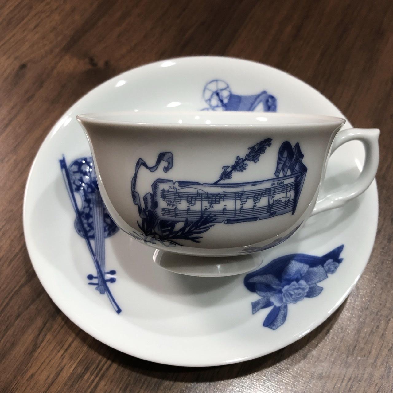 鰤の刺身とコーヒーカップ_e0245805_21565204.jpeg