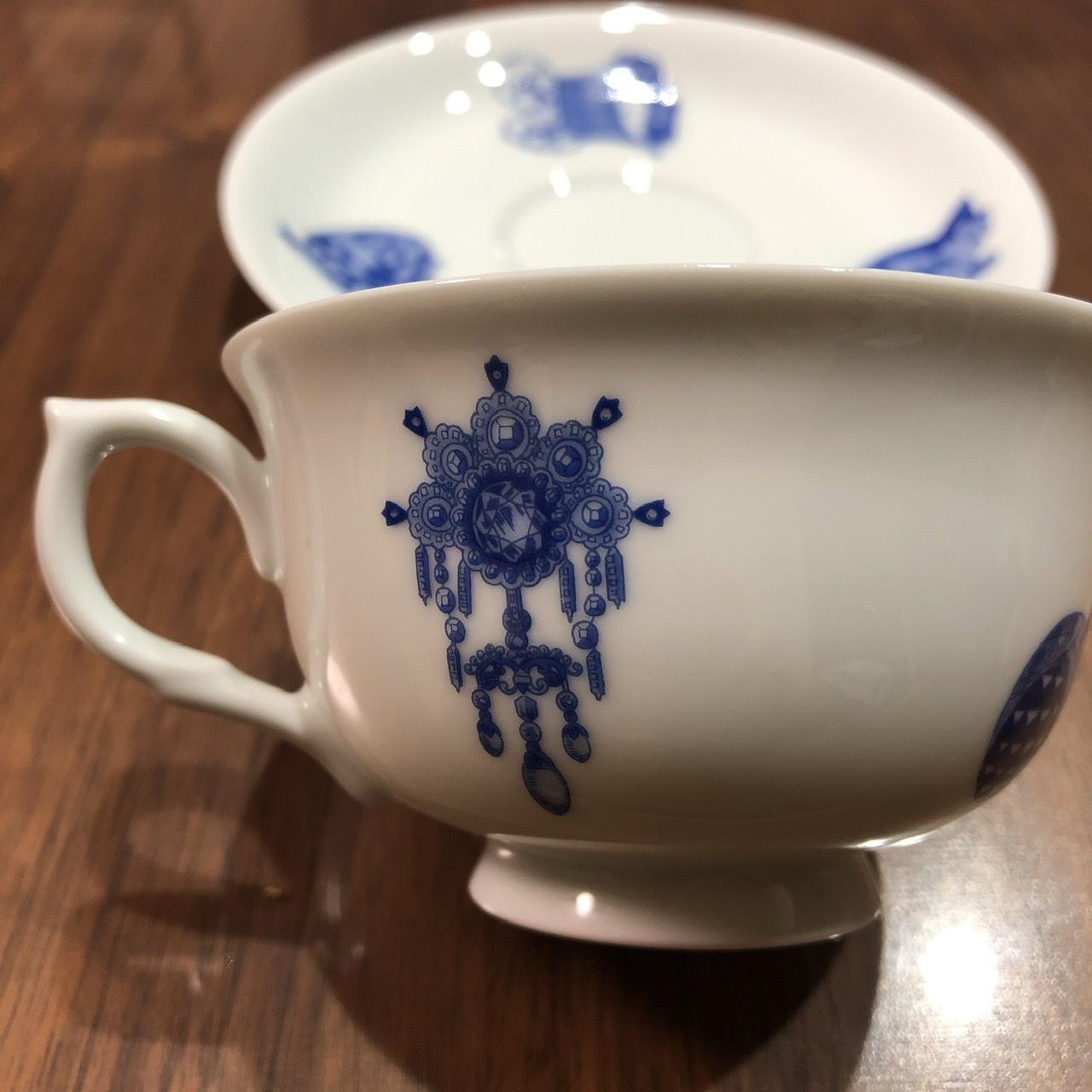 鰤の刺身とコーヒーカップ_e0245805_22270041.jpeg