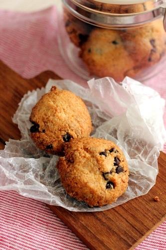 ココナッツとチョコのクッキー_a0165538_10213847.jpg