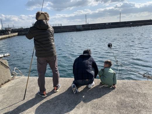 垂水漁港の釣り(神戸)_b0279441_23555379.jpg