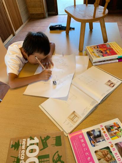 思い付きで椅子製作 彼の初デザイン_f0053665_13140974.jpg