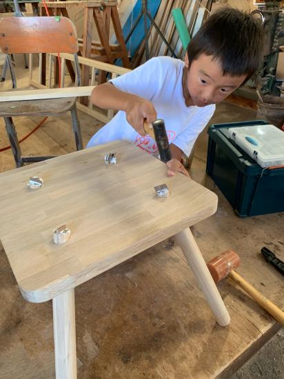 思い付きで椅子製作 彼の初デザイン_f0053665_13141720.jpg