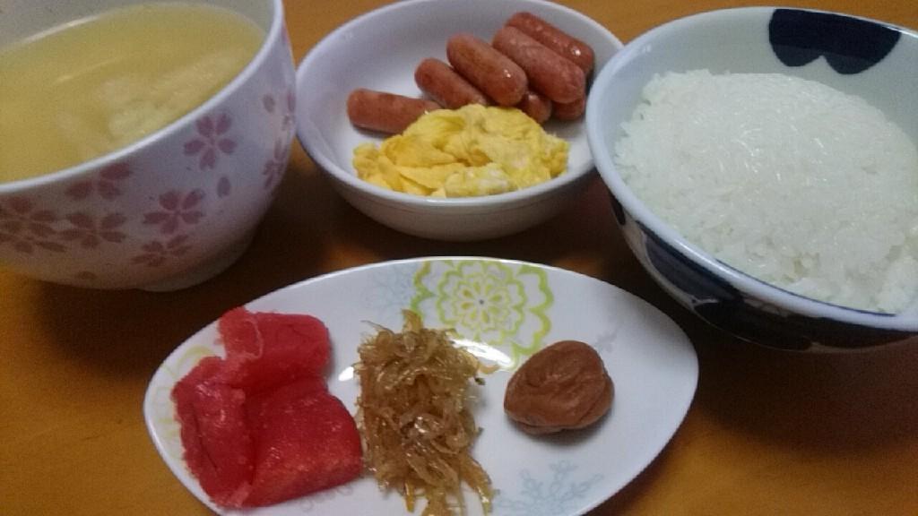 朝食は_b0106766_17135039.jpg
