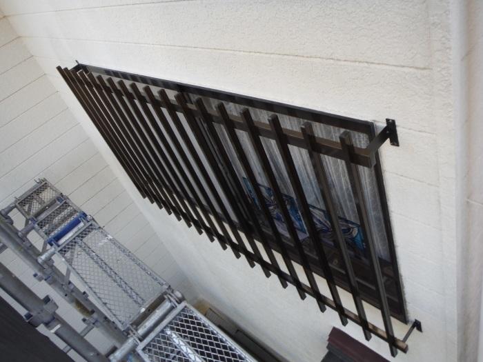 屋根、天井、カーポート ~ 窓格子と天井工事。_d0165368_05493548.jpg