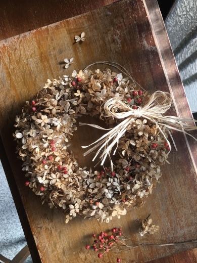 立ち枯れのノリウツギでリースを作る_c0334574_19223757.jpeg