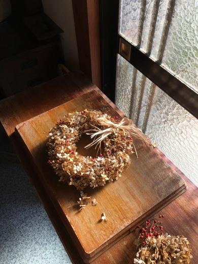 立ち枯れのノリウツギでリースを作る_c0334574_19230665.jpeg