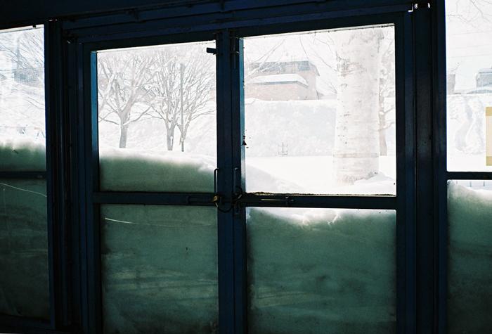 わらび隧道とアクリル壁の積雪_c0182775_16542183.jpg
